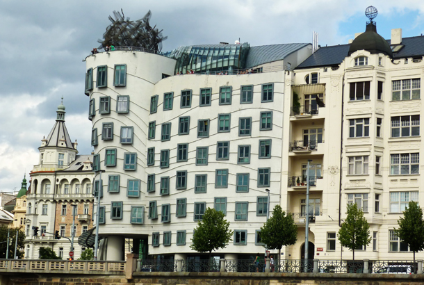 <strong>Dancing House<span><b>in</b>Residental</span></strong><i>→</i>
